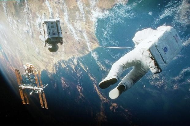 gravity-movie-review-space-2